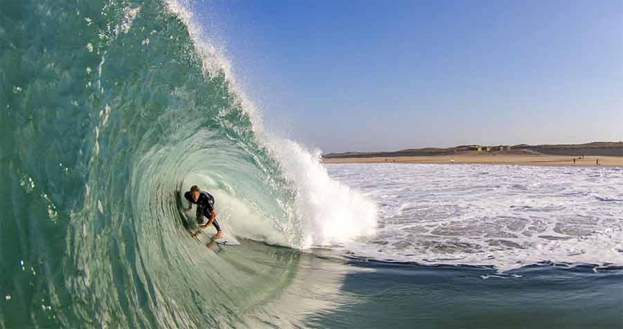 Surfer l'été