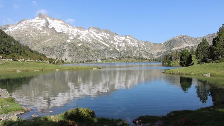 Randonnée lac de montagne, Réserve naturelle du Néouvielle