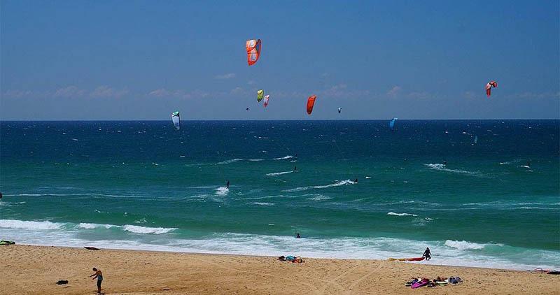 kitesurf sur la cote atlantique - plage des estagots