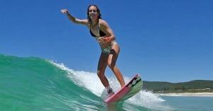 Justine Dupont Championne de surf
