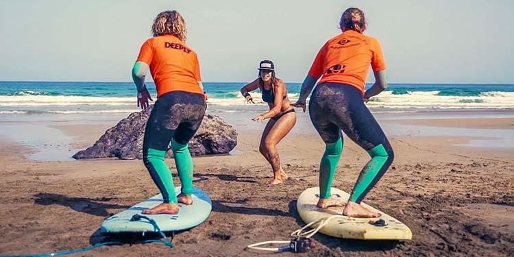 se mettre au surf pour de belles vacances
