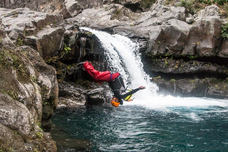 Canyoning-sports-extremes-La-Réunion