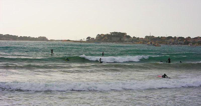Surf en mediterranée - Six fours plage