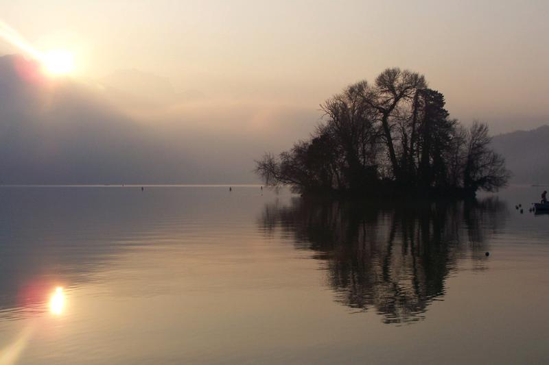 Lac d'Annecu, l'un des meilleurs spots de stand up paddle en france