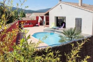 Villa avec piscine privée, plage à proximité Maison - Logement entier - 12 Voyageurs - 4 Chambres