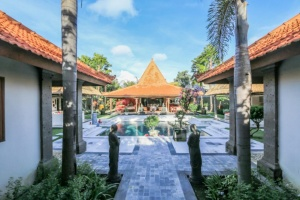 Pratiquer le yoga dans Logement à Bali