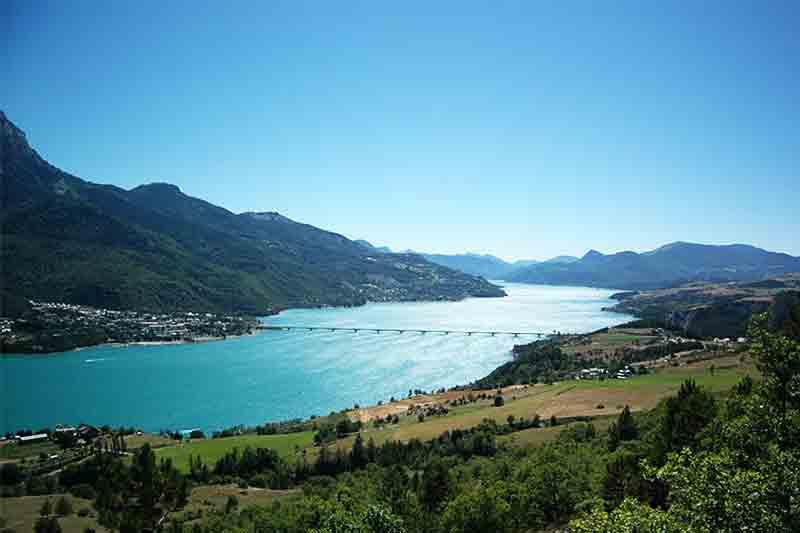 Lac de montagne Savoie - de Serre-Ponçon