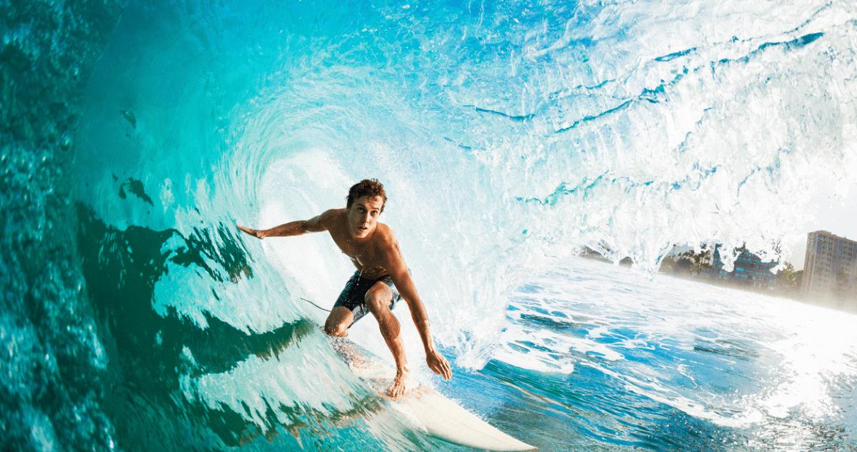 vague rouleau surfeur