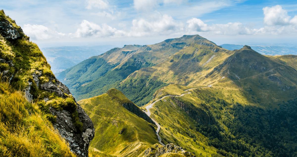 auvergne randonnée volcan